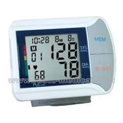 Wrist-Type Fully Automatic Electronic Blood Pressure Monitor